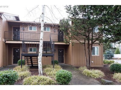 Portland Condo/Townhouse For Sale: 1924 NW 143rd Ave #52