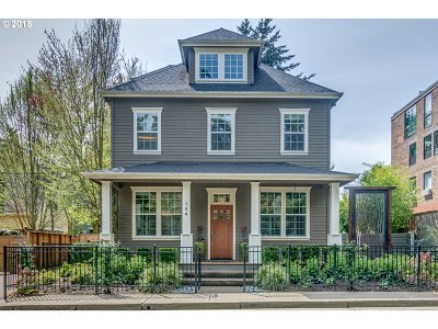 Lake Oswego Single Family Home For Sale: 144 Leonard St