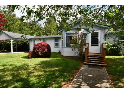 Bandon Single Family Home For Sale: 87604 Holly Ln