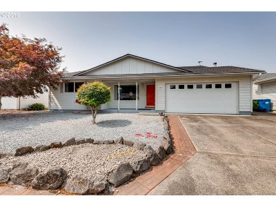 Woodburn Single Family Home For Sale: 487 S Columbia Dr