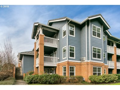 Wilsonville, Canby, Aurora Condo/Townhouse For Sale: 30424 SW Ruth St #84