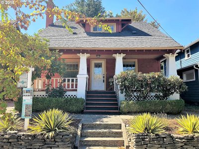 Portland Single Family Home For Sale: 8615 SE 11th Ave