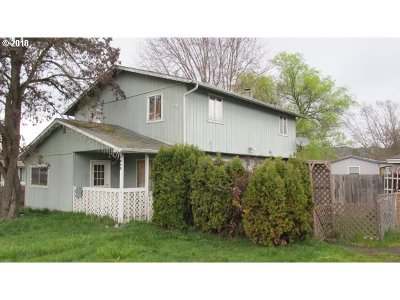 Roseburg Single Family Home For Sale: 1940 Austin Rd