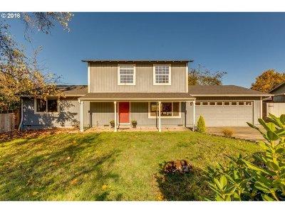 Newberg Single Family Home For Sale: 2025 Carol Ave