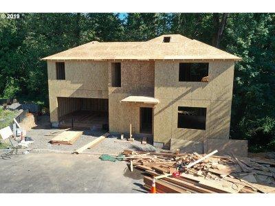 Gresham Single Family Home For Sale: 836 SE Linden Ct