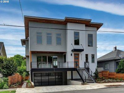 Clackamas County, Multnomah County, Washington County Single Family Home For Sale: 4135 SE 30th Ave
