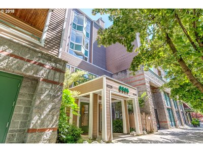 Condo/Townhouse For Sale: 0305 SW Montgomery St #302