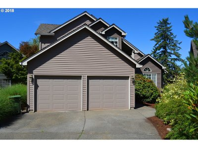 Lake Oswego Single Family Home For Sale: 13413 Vermeer Dr