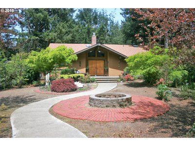 Port Orford Single Family Home For Sale: 42267 Cedar Hollow Rd