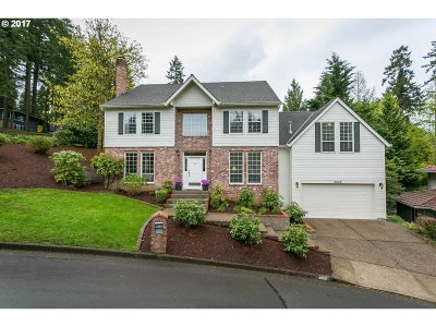 Lake Oswego Single Family Home For Sale: 3088 Rosemary Ln