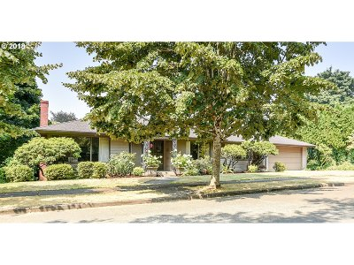 Single Family Home For Sale: 6635 SE 38th Ave