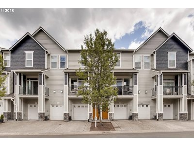 West Linn Condo/Townhouse For Sale: 3630 Summerlinn Dr