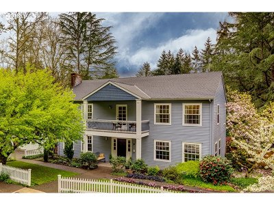 Lake Oswego Single Family Home For Sale: 9 Buckingham Ter