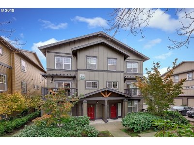 Beaverton Condo/Townhouse For Sale: 1180 SW 170th Ave #201