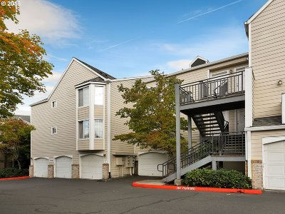 Portland Condo/Townhouse For Sale: 17532 NW Springville Rd #D4