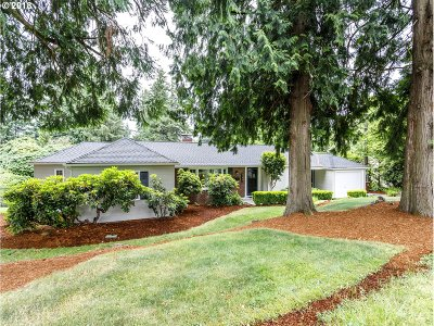 Portland Single Family Home For Sale: 7220 SW Canyon Ln