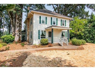 Dallas Single Family Home For Sale: 1330 Ellendale Ave E