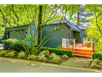 Multnomah County Single Family Home For Sale: 4366 SW Hewett Blvd