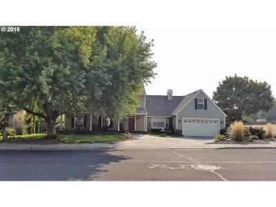 Hermiston Single Family Home For Sale: 1085 SE 8th St