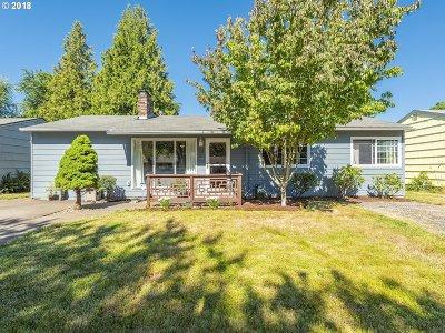 Portland Single Family Home For Sale: 1345 SE 175th Pl