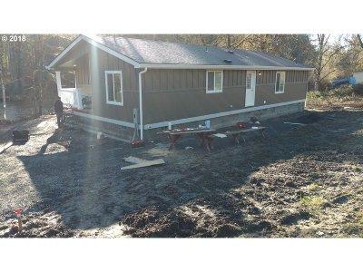 Elmira Single Family Home For Sale: 90245 Sheffler Rd