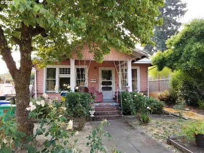 Multnomah County Single Family Home For Sale: 3614 SE 10th Ave