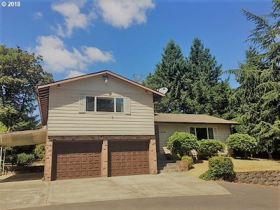 Single Family Home For Sale: 12250 SE Flavel St