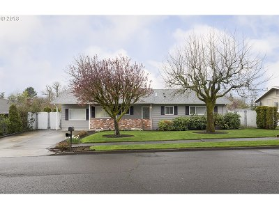 Portland Single Family Home For Sale: 13031 SW 62nd Ave