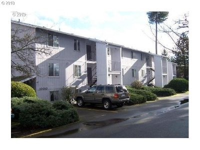 Tigard Condo/Townhouse For Sale: 10010 SW Hall Blvd #7