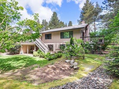 Portland Single Family Home For Sale: 11200 SW Lynnridge Ave