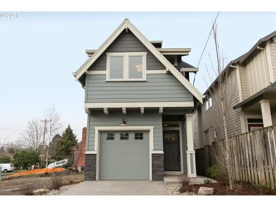 Portland Single Family Home For Sale: 9350 N Mohawk Ave