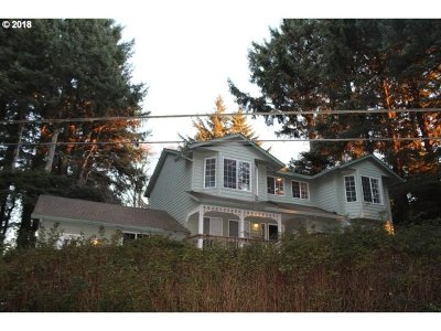 Lincoln City Single Family Home For Sale: 2440 NE 36th Dr