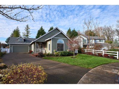 Mcminnville Single Family Home For Sale: 1327 NW Green View Ct
