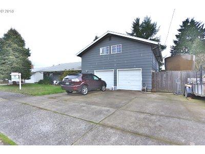 Eugene Single Family Home For Sale: 2111 N Danebo Ave