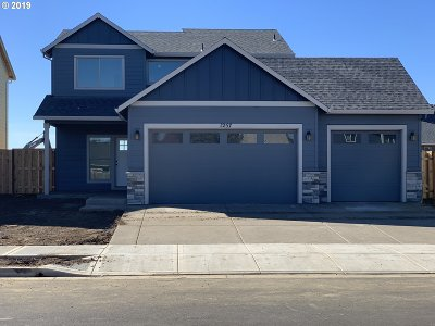 Woodburn Single Family Home For Sale: 1257 Daylily St
