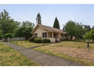 Hillsboro, Cornelius, Forest Grove Single Family Home For Sale: 356 NE Edison St
