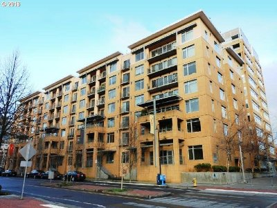 Clark County Condo/Townhouse For Sale: 701 Columbia St #515