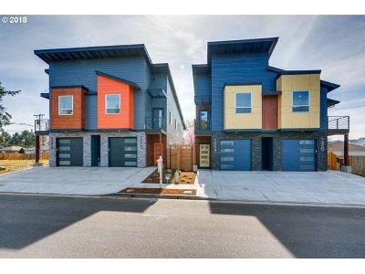 Hillsboro Single Family Home For Sale: 7272 SE Johnson St
