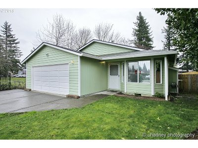 Portland Single Family Home For Sale: 275 SE 193rd Ave