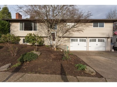 Tigard Single Family Home For Sale: 12345 SW Katherine St