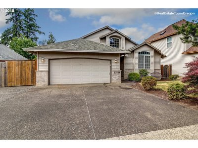 Clackamas Single Family Home For Sale: 15004 SE Pinegrove Loop