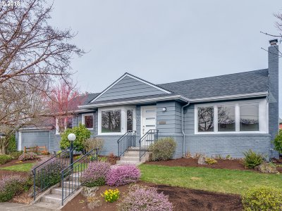 Single Family Home For Sale: 4729 SE Ash St