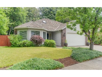 Wilsonville Single Family Home For Sale: 6811 SW Fernbrook Ct