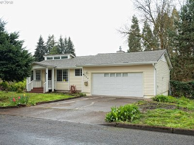 Woodburn Single Family Home For Sale: 900 E Lincoln St