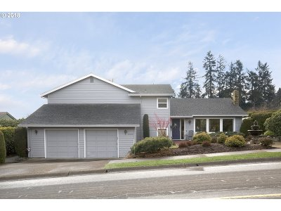 West Linn Single Family Home For Sale: 2421 Pimlico Dr