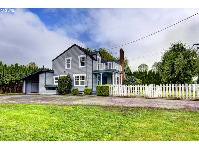 Springfield Single Family Home For Sale: 6895 Thurston Rd