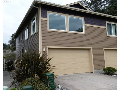 Gold Beach OR Single Family Home For Sale: $270,000