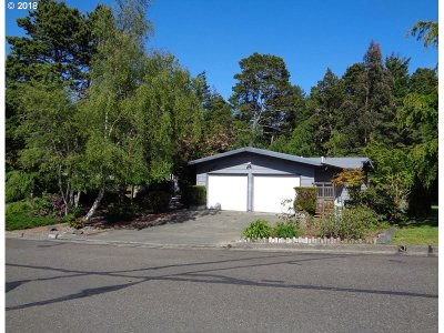 North Bend Single Family Home For Sale: 1623 Lincoln St