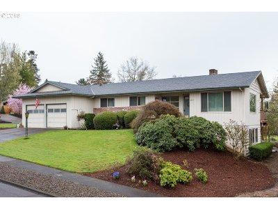 Beaverton Single Family Home For Sale: 6335 SW Chestnut Ln