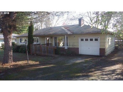 Roseburg Single Family Home For Sale: 1595 NW Beaumont Ave